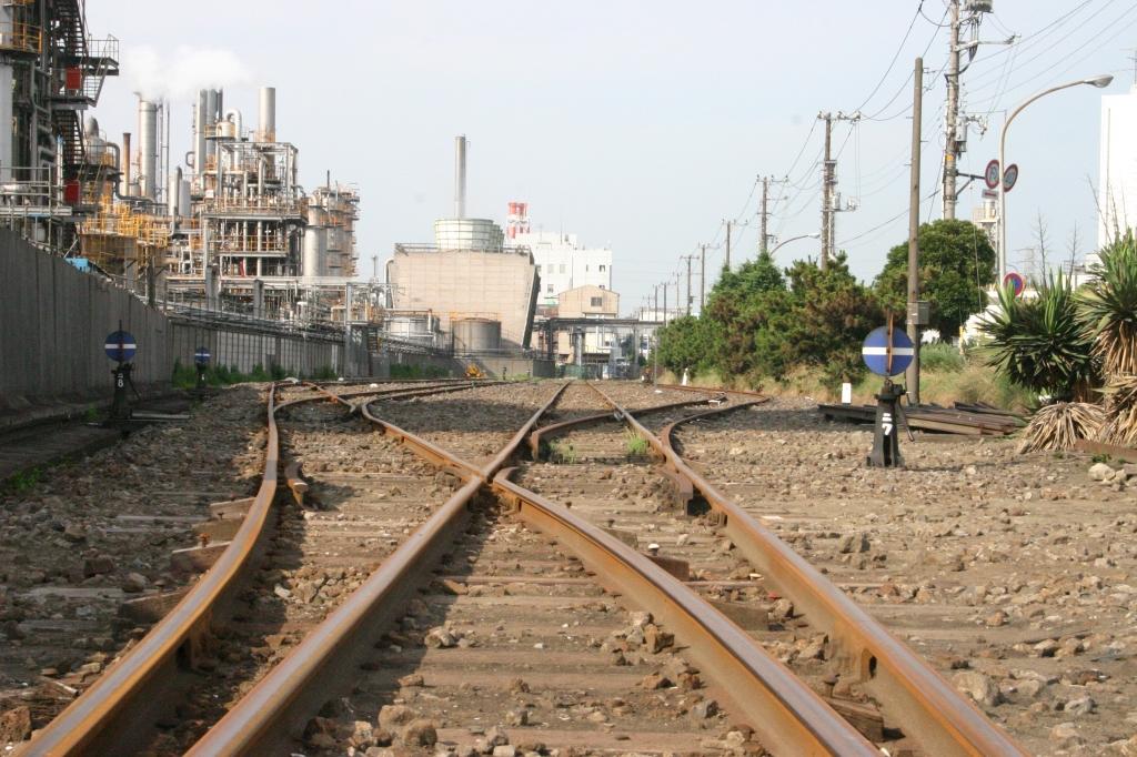 工場につながる線路